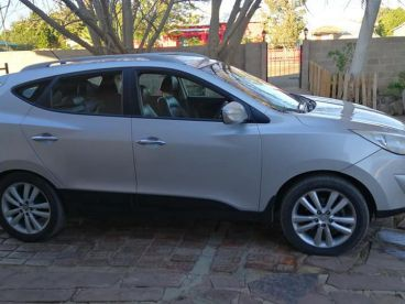 Pre-owned Hyundai IX35 2.4L limeted edition 4 x 4 for sale in