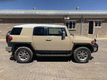 Pre-owned Toyota FJ Cruiser 4.0L for sale in