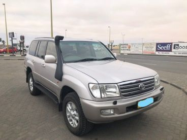 Pre-owned Toyota Landcruiser 100 Series for sale in