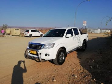 Pre-owned Toyota Hilux Dakar 2.7 for sale in
