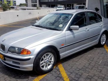 Pre-owned BMW 320i (E46 - straight six) for sale in