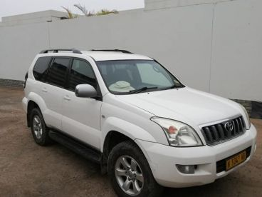 Pre-owned Toyota Land Cruiser 4 v6 for sale in