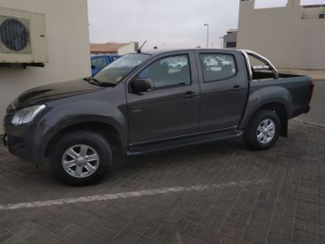 Pre-owned Isuzu Kb 240 d/c 4x4 le for sale in