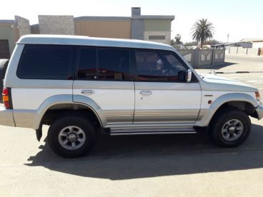Pre-owned Mitsubishi Pajero 3500 v6 24v for sale in