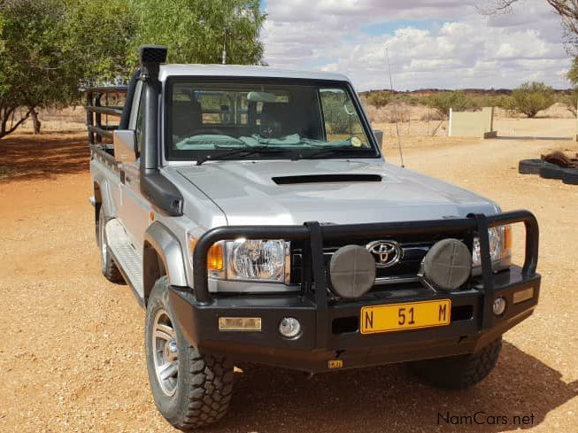 Pre-owned Toyota Land Cruiser S/C 4.5 V8 Single cab for sale in