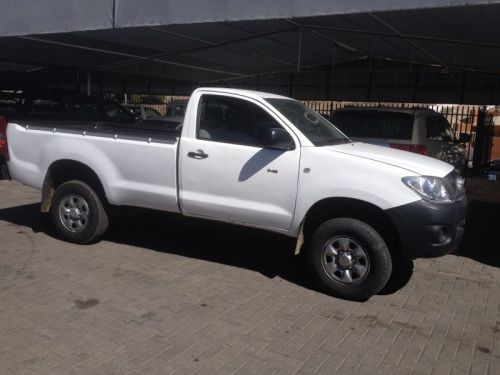 Used Toyota HILUX  2.5D-4D 4X4 for sale in Windhoek