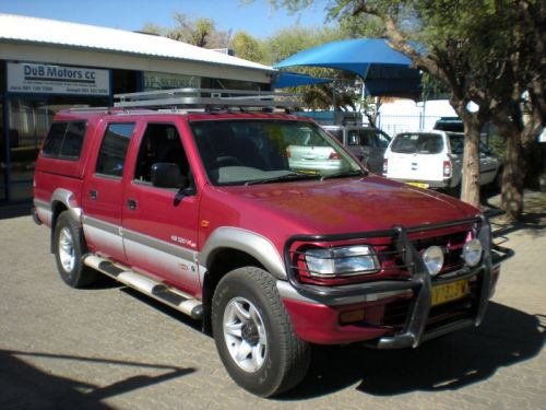 Used Isuzu KB320 Lx 4X4 D/cab for sale in Windhoek