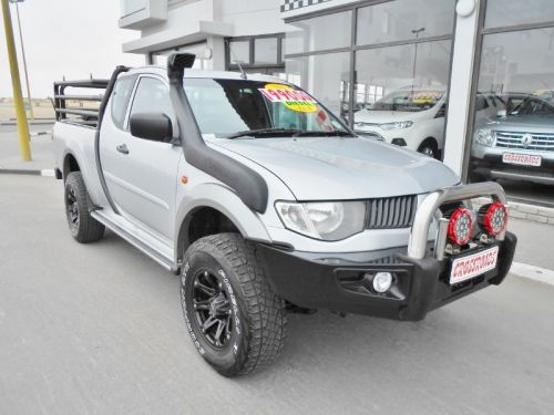 Used Mitsubishi Triton 3.2 DID Clubcab 4x4 for sale in Swakopmund