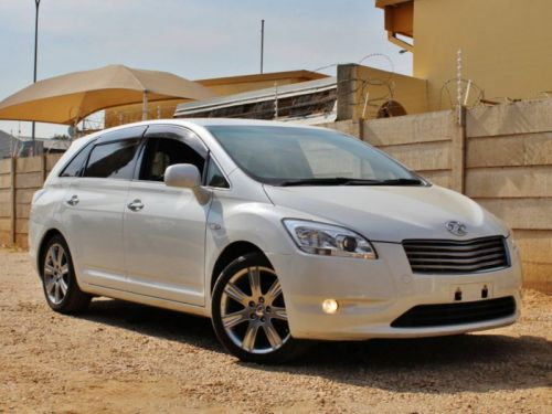 Used Toyota Mark X Zio 6-Seater for sale in Windhoek