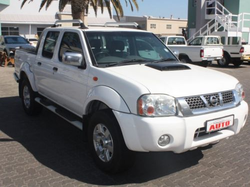 Used Nissan NP300 2.5TD 4X4 D/C for sale in Swakopmund