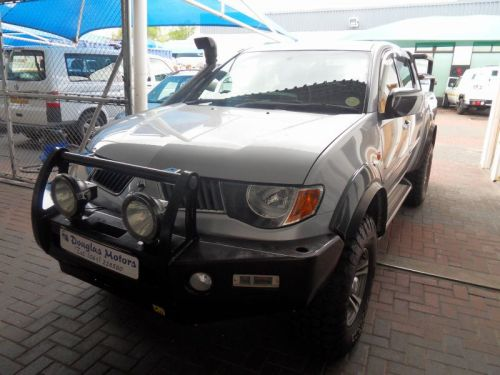 Used Mitsubishi Triton D/Cab 4x4 3.2 DiD for sale in Windhoek