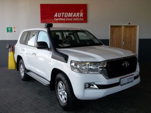 Used Toyota LAND CRUISER 200 V8 GX for sale in Windhoek