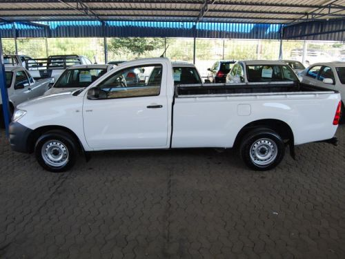 Used Toyota Hilux 2000 VVTI for sale in Windhoek