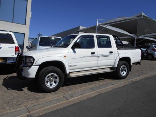 Used Toyota Toyota Hilux 2700i Raider R/b P/u D/c for sale in Windhoek