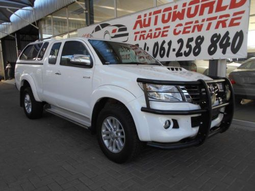 Used Toyota Hilux 3.0d-4d Raider Xtra Cab 4x4 P/u for sale in Windhoek