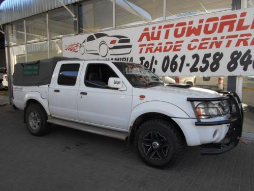 Used Nissan Hardbody 3300i SEL 4x4 DC for sale in Windhoek