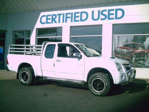 Used Isuzu kb 300 d/teq e/cab 4x4 for sale in Windhoek