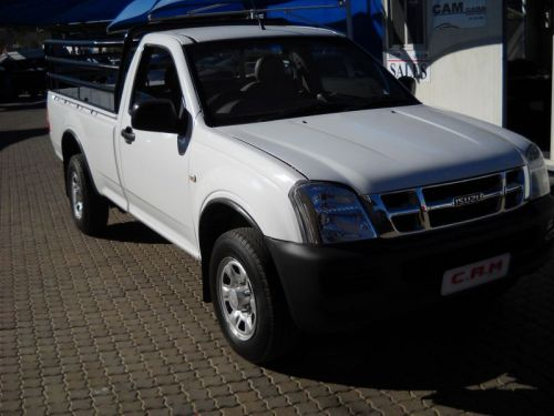 Used Isuzu KB 2.4i for sale in Windhoek